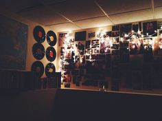I like this whole vinyl and posters thing on the wall