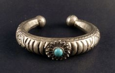 Bedouin balochistan silver ethnic bracelet with turquoise old vintage from the Middle East, old ethnic bracelet, old tribal jewelry