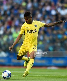 Wilmar Barrios of Boca Juniors kicks the ball during a match between Boca Juniors and Racing Club as part of the Superliga 2017/18 at Alberto J. Armando Stadium on November 19, 2017 in Buenos Aires, Argentina.