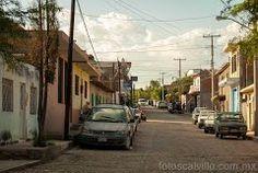 Calles de La Chiwila. La calle de mi abuelita, hasta se ve la troka de mi tio jeje