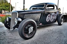 Nothing is meaner than a black and low 33-34 Ford Hot Rod
