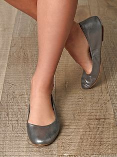 Kinky, Ballet Flats, Character Shoes, Heeled Mules, Dance Shoes, French, Sandals, Heels, Beautiful