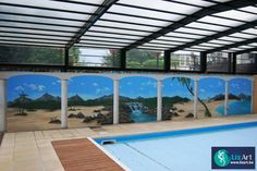 Trompe l'oeil muurschildering in ene zwembad van hotel