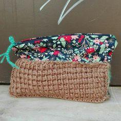 Small hand bag. Handmade in crochet.