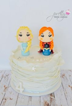 Where's olaf?? - Cake by Rachel.... Pretty little cakes x