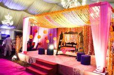 Decoration Ideas For Wedding At Home 20 Wedding Reception Backdrop, Wedding Stage Decorations, Flower Decorations, Wedding Receptions, Birthday Decorations, Wedding Ceremony, Home Wedding, Trendy Wedding, Wedding Events