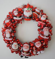 Vintage Santa wreath...Cuteness