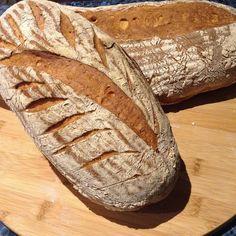 Bread day at Piology #bread #breadbaking #cometobendigo #visitbendigo #foodnetwork #baking #bakedinbendigo #bendigofoodies #melbfoodies #melbournefoodie #melbournefoodies #marketfood #victorianmarket #spelt #wheatfree #wheatfreebread #breakfast #explorebendigo by piology_thestarvingartist