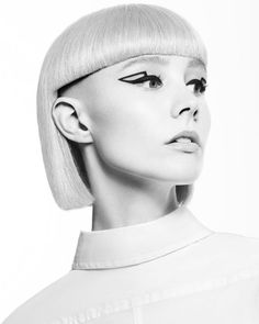 BLONDE AVANT-GARDE GEOMETRIC SHAPES Mode Chic, Creative Colour, Side Cuts, Super Hair, Mullets, Geometric Shapes, Hairdresser, Hair Cuts, Pony