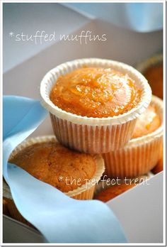 Orange muffins with jam filling Sweets Cake, Cupcake Cakes, Cupcakes, Sweets Recipes, Cake Recipes, Orange Muffins, Greek Desserts, Cookie Frosting, No Bake Cake