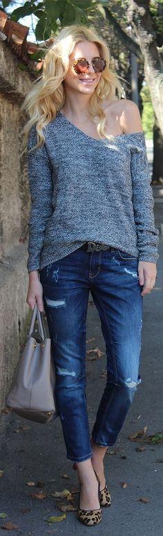 neutral (gray or black) vee neck sweater skinnies black handbag snakeskin heels