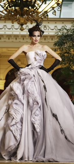 Dior by John Galliano Dress & Haute Couture Details Dior Haute Couture, Style Couture, Couture Fashion, Christian Dior Couture, Couture Details, Foto Fashion, Dior Fashion, Estilo Fashion, Fashion Dresses