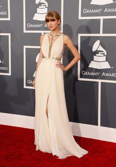 Taylor Swift Gown, Taylor Swift Style, Taylor Swift Fashion, Lorraine Schwartz, Rock Design, Celebrity Red Carpet, Celebrity Dresses, Elie Saab, Jimmy Choo