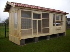 Very nice. Need to split into 2 sections. Pigeon Post, Pet Pigeon, Pigeon Bird, Pigeon Loft Design, Pigeon Cage, Finch Cage, Pigeon Breeds, Homing Pigeons, Pet Bird Cage