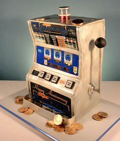 A Slot Machine Cake will make a great birthday surprise. See images of great looking fruit machine cake designs. Learn how to make a slot machine cake. Jack O'connell, Funny Videos, Car Videos, Crazy Cakes, Fancy Cakes, Slot Car Tracks, Slot Cars, Las Vegas, Game Design