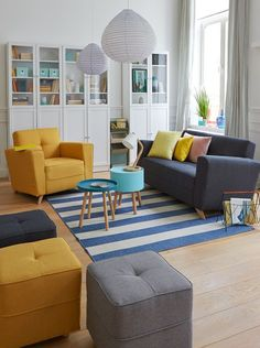 Elegant Living Room Design With Multi Layers Coloring Concept Part 2 Colourful Living Room, Elegant Living Room, Elegant Home Decor, Living Room Colors, Small Living Rooms, Living Room Designs, Modern Living, Living Room Interior, Home Living Room