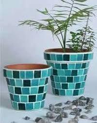 Image result for bordes de macetas hechas con mosaicos