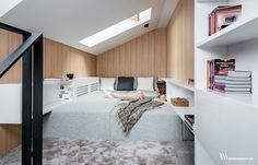 Mała sypialnia – małe jest piękne. Korzystając z prostych pomysłów można sprawić, że pomieszczenie wielkości przysłowiowego pudełka zapałek zapewni komfort.