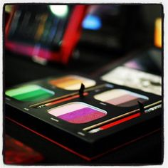 Getting starry-eyed over @thekatvond's palette.
