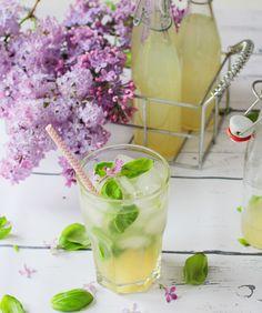 Limetten-Basilikum-Limonade