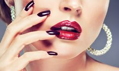 unhas - Care - Skin care , beauty ideas and skin care tips Natural Lip Plumper, Natural Lips, Lip Fillers Cost, Mommy Makeover, Lipstick Dupes, Lip Injections, Manicure E Pedicure, Plastic Surgery, Skin Care Tips