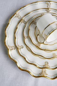 LeDiedra's Collection of Beautiful China Plates w/ Elegant designed Gold Rim Set Beautiful Table Settings, China Sets, China Plates, Dinnerware Sets, White Dinnerware, Dinner Sets, China Patterns, Decoration Table, Vintage China