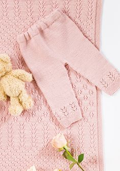 Click to enlarge Knitting For Kids, Baby Knitting Patterns, Crochet Bebe, Knit Crochet, Baby Girl Dresses, Baby Dress, Knit Baby Pants, Baby Sweaters, Amelie