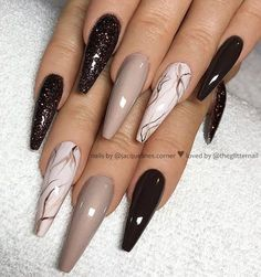 Marble coffin nail designs have become more and more popular in recent years, and the trend has not abated at all. Marble nails are a kind of nail art design which imitates the appearance of marble. Everyone can create this nail art design on their o Coffin Nails Glitter, Stiletto Nail Art, Coffin Nails Long, Best Acrylic Nails, Acrylic Nail Designs, Nail Art Designs, Marble Nails, Nails Design, Hair And Nails