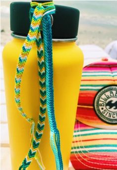 Accessories Diy Home and Decorations diy home decoration Summer Bracelets, Cute Bracelets, String Bracelets, Yarn Bracelets, Beach Bracelets, Pulseras Kandi, Cute Water Bottles, Summer Aesthetic, Happy Colors
