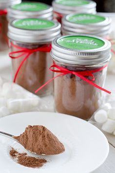 DIY Salted Caramel Hot Chocolate for wedding favors
