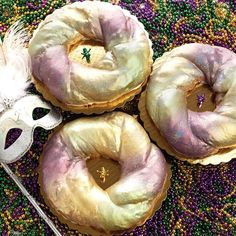 It's officially Carnival season! The divas are starting Mardi Gras off right: with a king cake from Sucré New Orleans!  How are you celebrating the beginning of carnival?