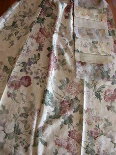 Egy oldalon nyomott virág mintás szatén sötétítő függöny. Anyaga enyhén bordázott, ripsz jellegű Quilts, Blanket, Modern, Home, Trendy Tree, Quilt Sets, Ad Home, Blankets, Homes