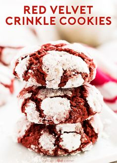 Red velvet crinkle cookies taste just like the cake! Make the cookies from scratch using this easy recipe to impress your friends and family for Christmas. Delicious Cookie Recipes, Best Cookie Recipes, Yummy Cookies, Baking Recipes, Scone Recipes, Pie Recipes, Yummy Treats, Sweet Treats, Recipes
