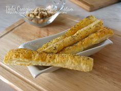 Salatini al formaggio e semi di papavero con soli 4 ingredienti otterrete dei buonissimi e velocissimi salatini ideali a qualsiasi ora del giorno e della..