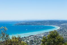 Mornington Peninsula on a beautiful spring day Overlooking Dromana, Mt Martha, Mt Eliza and Mt Dandenong in the background. Holiday Destinations, Vacation Destinations, Places Around The World, Around The Worlds, Victoria Australia, Spring Day, Melbourne Australia, Lake District, Big Island