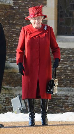 Queen Elizabeth II Photo - Royals Attend Christmas Day Service At Sandringham