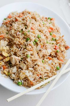 Better-than-takeout chicken fried rice - Yummy Recipes - Dinner Recipes Asian Recipes, Healthy Recipes, Delicious Recipes, Greek Recipes, Ethnic Recipes, Authentic Chinese Recipes, Good Food, Yummy Food, Awesome Food