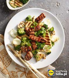 Polędwiczki w sosie miodowo-balsamicznym z grillowanymi warzywami.  Kuchnia Lidla - Lidl Polska. #lidl #okrasa #poledwiczki
