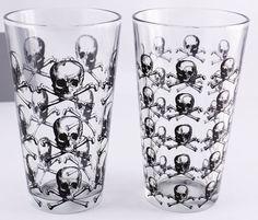 SKULLS Pint Glass set of 2