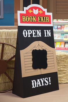 Make a countdown sign and set it out 30 days before your Fair. Toolkit keyword: COUNTDOWN