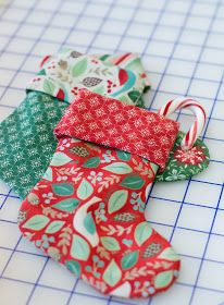 The Shabby: How to Make Mini Stockings: A Quick and Easy Tutorial Mini Christmas Stockings, Mini Stockings, Christmas Stocking Pattern, Felt Stocking, Christmas Ribbon, Christmas Sewing, Christmas Makes, Diy Christmas Ornaments, Christmas Quilting