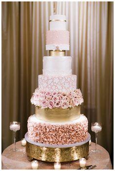Blush and Gold Wedding Cake Blush Wedding Colors, dusty rose, pastels, pink wedding Luxury Wedding Cake, Beautiful Wedding Cakes, Beautiful Cakes, Luxe Wedding, Wedding Details, Rosegold Wedding Cake, Gold Wedding Cakes, Floral Wedding, Purple Wedding