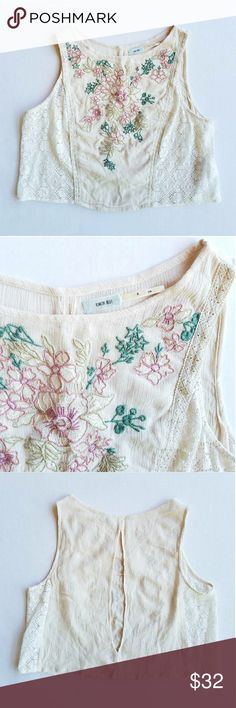 Kimchi Blue // Embroiderd Crop Top Perfect condition! Size Small  Creamy white Soft begonia pink flowers Tan and green stems/leaves Lace and crochet detailing Urban Outfitters Tops Crop Tops
