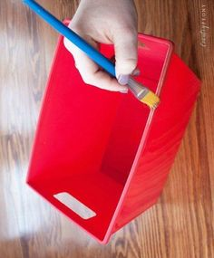 This project is wonderful because it is fully customizable and super simple.  #howto #diy #diys #craft #crafts #crafting #howto #ad #handmade #homedecor #decor #makeover #makeovers #redo #repurpose #reuse #recycle #recycling #upcycle #upcycling  #unique #storage #storagetips #organize #organizing #organization #organizationtips #declutter