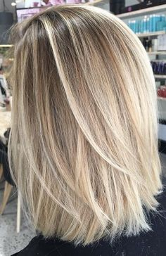 Good Photos Balayage hair blonde pastel Strategies Summer's on how! In addition to the feelings choose richer, less heavy, much more attractive along Blonde Hair Looks, Blonde Hair With Highlights, Balayage Highlights, Medium Hair Styles, Short Hair Styles, Hair Medium, Medium Blonde Bob, Balayage Hair, Hair Lengths