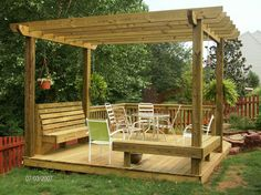 Arbor w/ 2 levels & bench