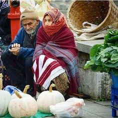 they sell vegetables in the street , Turkey We Are The World, People Around The World, Old People Love, Turkey Culture, Istanbul, Old Couples, People Of Interest, World View, Circle Of Life