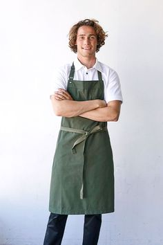 Who said chef uniforms couldn't be comfortable, stylish and modern? 🧑‍🍳 Our Banjo Chef Apron has been tested in commercial kitchens and is #BuiltForWork! Banjo's canvas fabric is robust in durability & strength of colour, while the extra-long waist straps are detachable to prevent tangling in the wash, making this the easiest apron to care for you'll ever wear in the kitchen Bib Apron, Aprons, Chef Apron, Wear Test, Best Commercials, Apron Designs, Professional Chef, Metal Trim, Banjo