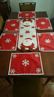 Decorating Your Kitchen for Christmas Christmas Mug Rugs, Christmas Placemats, Christmas Cushions, Christmas Table Cloth, Christmas Sewing, Felt Christmas, Simple Christmas, Christmas Holidays, Christmas Crafts