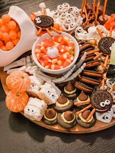 a festive af halloween snack board — cerriously Halloween Desserts, Halloween Goodies, Halloween Food For Party, Fall Halloween, Healthy Halloween Treats, Halloween Dinner, Holiday Treats, Holiday Fun, Festive